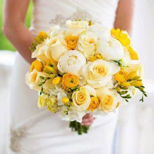 Teratai Kuning Lu Meja Pot Kotak 5 Tangkai 10 model buket bunga karya romantis ungkapan puisi hati