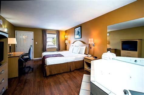 la quinta rooms la quinta inn suites branson mo call 1 800 504 0115 the travel office