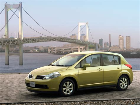 nissan tiida hatchback 2005 nissan tiida hatchback cn spec c11 2005 08 wallpapers