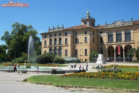 parco porta venezia giardini pubblici indro montanelli e il palazzo