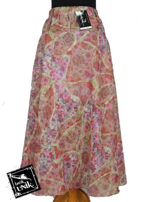 Mbs038 Mukena Traveling Motif Bunga Cantik Murah Muslim Murah Mukenah rok sifon panjang batik cantik motif bunga bawahan rok murah batikunik