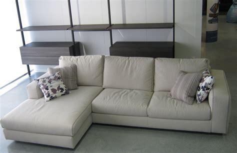 divani a penisola divano con penisola scontato divani a prezzi scontati