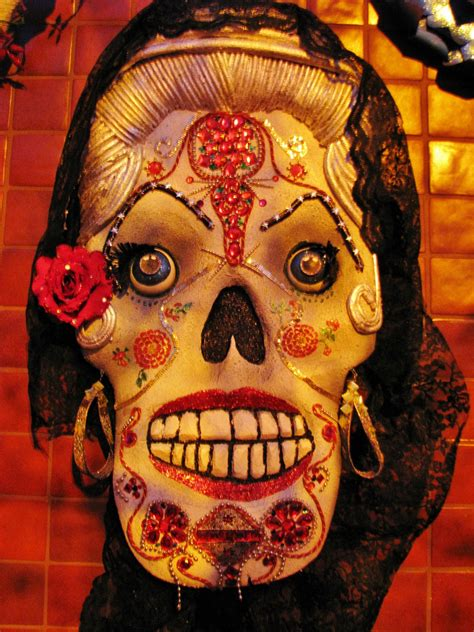 of the dead pictures day of the dead aztec honoring the soul s rest