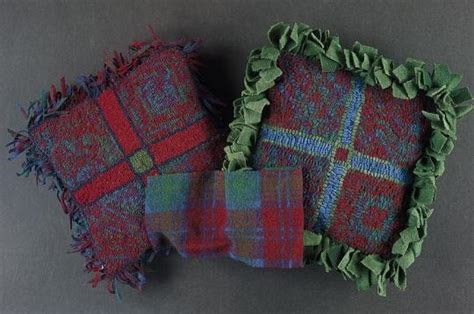rug pull the pretty plaid proddy pull pillow rughookingmagazine
