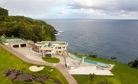 justin bieber s house inside justin bieber s vacation mansion in hawaii teen vogue