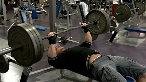 benching 315lbs 3 plates for 4 reps youtube