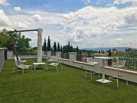 terrazzo in inglese terrazzo in erba sintetica