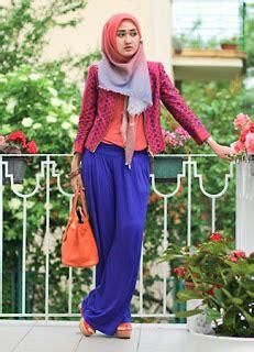 Blouse Gaya Aloha til stylish dengan trendy busana muslim murah