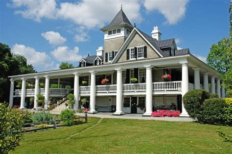 southern plantation style homes best 25 antebellum homes ideas on plantation