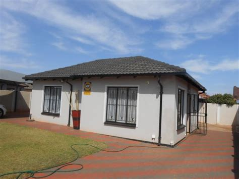 do 2 bedroom houses sell 2 bedroom house for sale for sale in pretoria north home