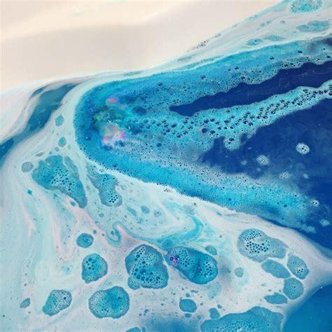 lush bathrooms bath bombs in water peenmedia com
