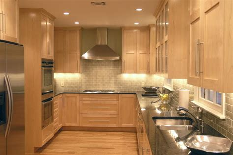 Light Wood Kitchens Light Wood Kitchen Cabinets Traditional Kitchen Design Kitchen Design Ideas