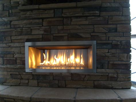 Furniture: Outdoor Fireplaces With Gas Fireplace