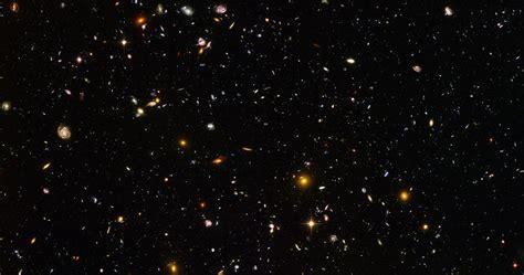 hubble ultra deep field hudf shows    galaxies   mere    sky