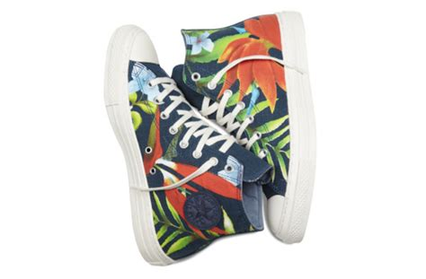 Poster Converses On 001 converse chuck all specialty hawaiian print freshness mag