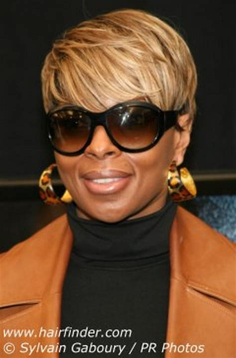 mary j blige hairstyle at the grammys short straight formal hairstyle light brunette