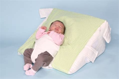 Beating Baby With Pillow by Top 5 Best Baby Reflux Pillow Seller On Reivew