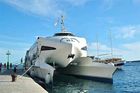 catamaran ferry split to hvar finding ferries