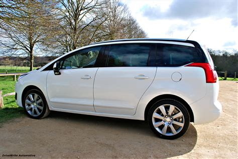 peugeot family drive the revised peugeot 5008 a family favourite drivewrite