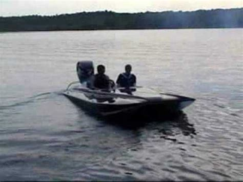 fast outboard boats youtube fast boat on belmont lake youtube
