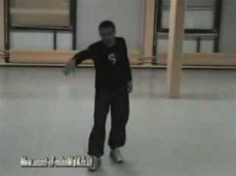 tutorial dance robot pemula clases de movimientos estilo michael jackson part 18 19