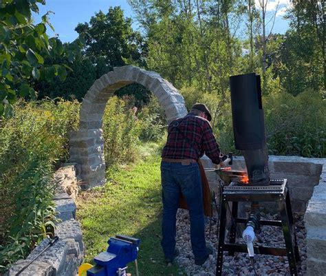 selecting  mounting  backyard anvil