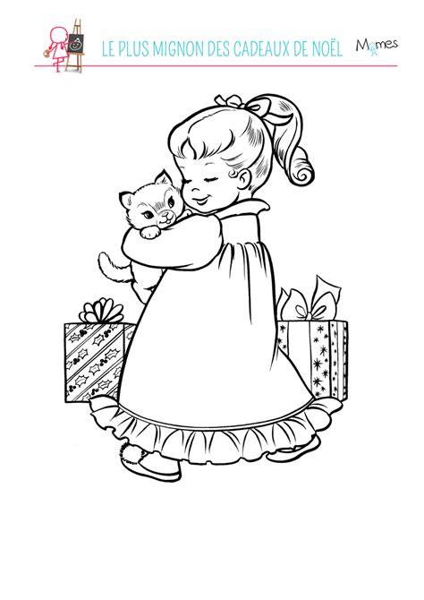 Coloriage un chaton à Noël - Momes.net