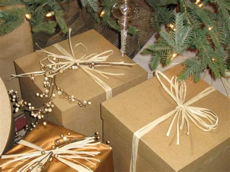 google images hgtv how to wrap ribon around christmas tree gift wrapping ideas for a country theme hgtv