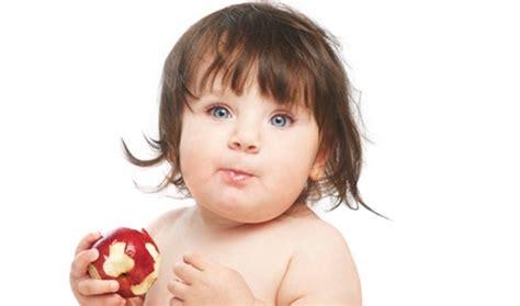bambini 18 mesi alimentazione frutta per bambini da introdurre nell alimentazione da 4