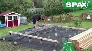 terrasse bauen holz holzterrasse mit h 246 henverstellbarem verlegesystem spax