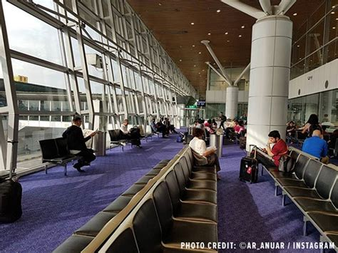 Showers At Kuala Lumpur Airport by Top 10 Best Airports In Asia 2017