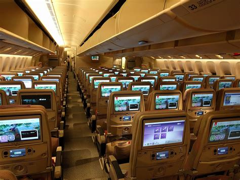 emirates cabin gulf carriers cozy up with us partners travelupdate
