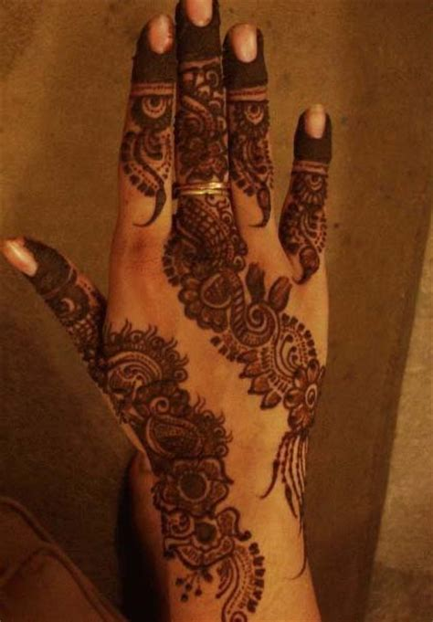 henna design with glitter image detail for glitter eid mehndi design 208x300
