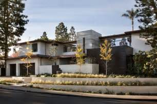 What Is A Contemporary House by Rdm General Contractors Design A Contemporary House In