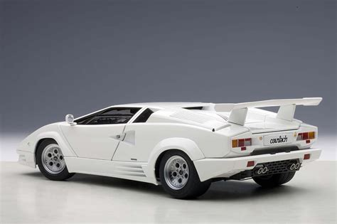 Lamborghini Countach White Autoart Highly Detailed Die Cast Model 25th Anniversary