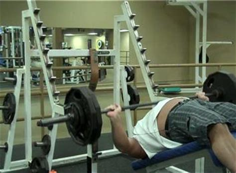 world chion bench press most decline bench press reps with a 250 pound barbell