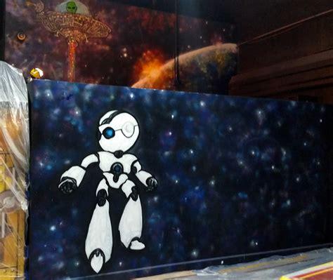 street art ufo graffiti robot mural  trails