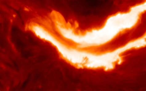 Solar Flare Lights Solar Flare With The Energy Of A Billion Hydrogen Bombs