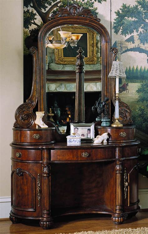 pulaski edwardian bedroom 20 best images about pulaski furniture on pinterest traditional north shore and accent chests
