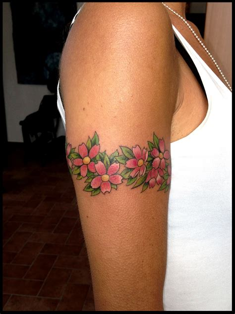 tatuaggio bracciale fiori bracciale floreale fiori di ciliegio sandi custom