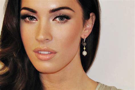 megan foxs makeup how to get her skin bold lip exact look megan fox s eyebrow guru revealed