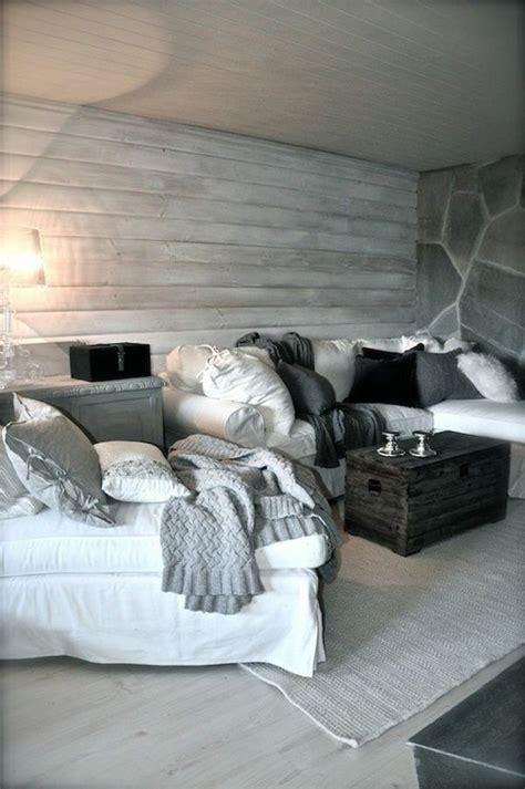 17 Best ideas about Wood Wallpaper on Pinterest   Rustic ... Wood Wallpaper Bedroom