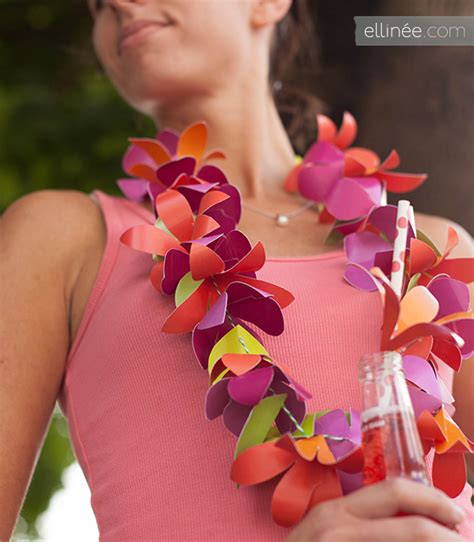 How To Make Paper Leis - pretty diy paper flower by http www ellinee