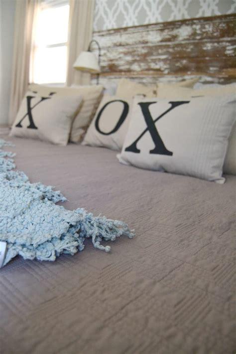 Bedroom Pillow Options Diy Throw Pillows For 2 My Creative Days