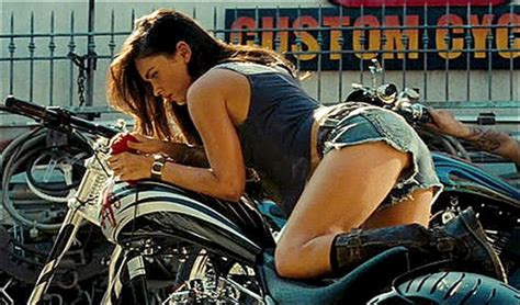 Megan Fox Transformers Motorrad by Robyn Transformers 2 Bumblebee Goes To College