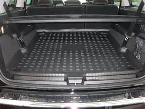 Mercedes Cargo Liners Benzblogger 187 Archiv 187 New Cargo Tray For 2013