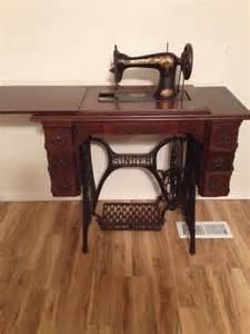 vintage singer treadle sewing machine 1901 with original