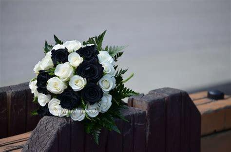 imagenes de flores blancas y negras rosas negras y blancas ramos novia pinterest