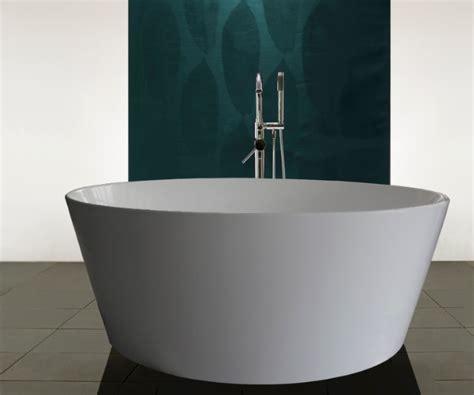 A Round Bath Tub  Livinghouse Blog
