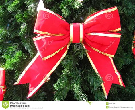 happy holiday tree ribbon tree bows happy holidays